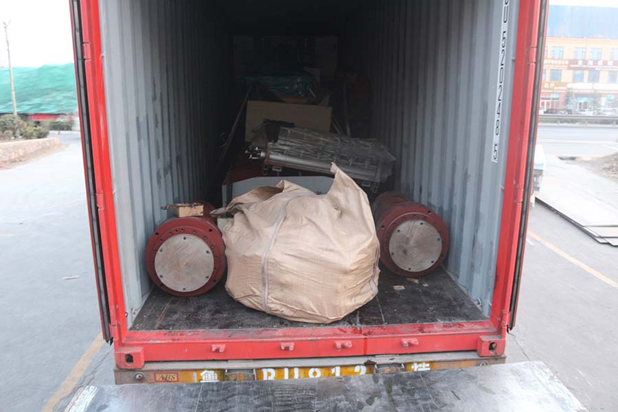 Plywood sanding machine and plywood hot press machine container loading finished